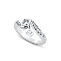 18K White Gold Dimaond Twisting Shank Ring
