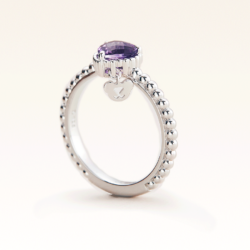 Silver Beawelry Ring with Heart Amethyst